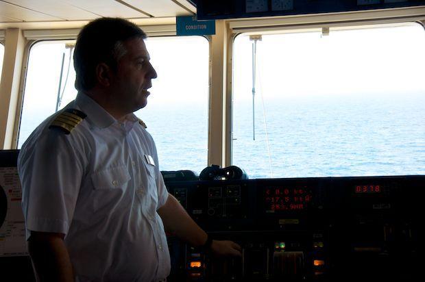 Kapitän Dimitris Papatsatsis / © TUI Cruises