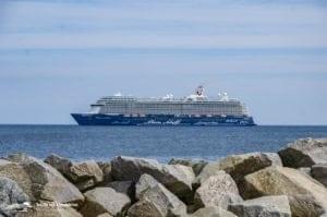 Mein Schiff 5: Marine-Helikopter holt erkrankten Gast von Bord